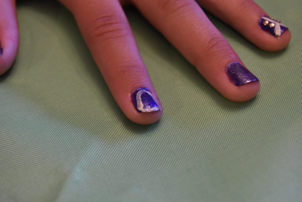 Bell shape nail art