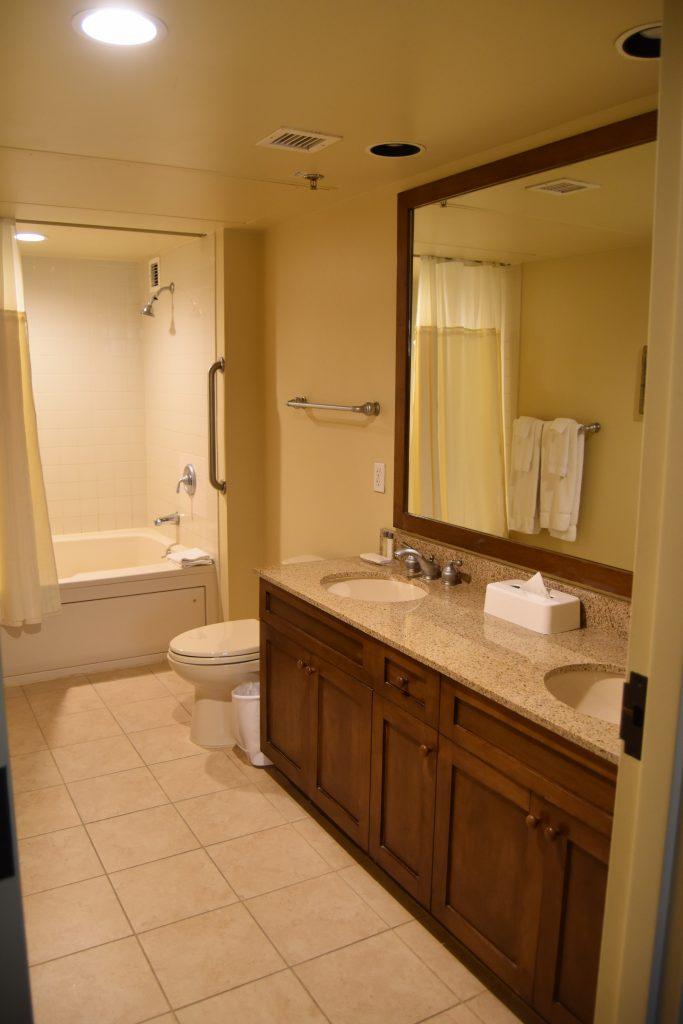 Master bathroom in Cancun Vegas resort
