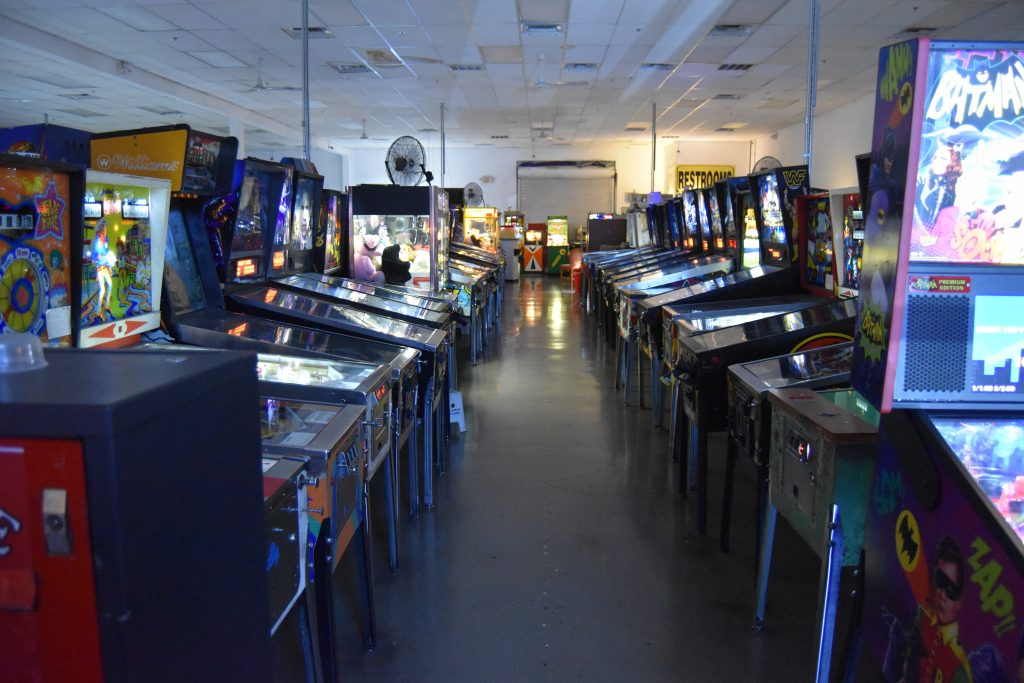 Pinball hall of fame-Row of pinball macines