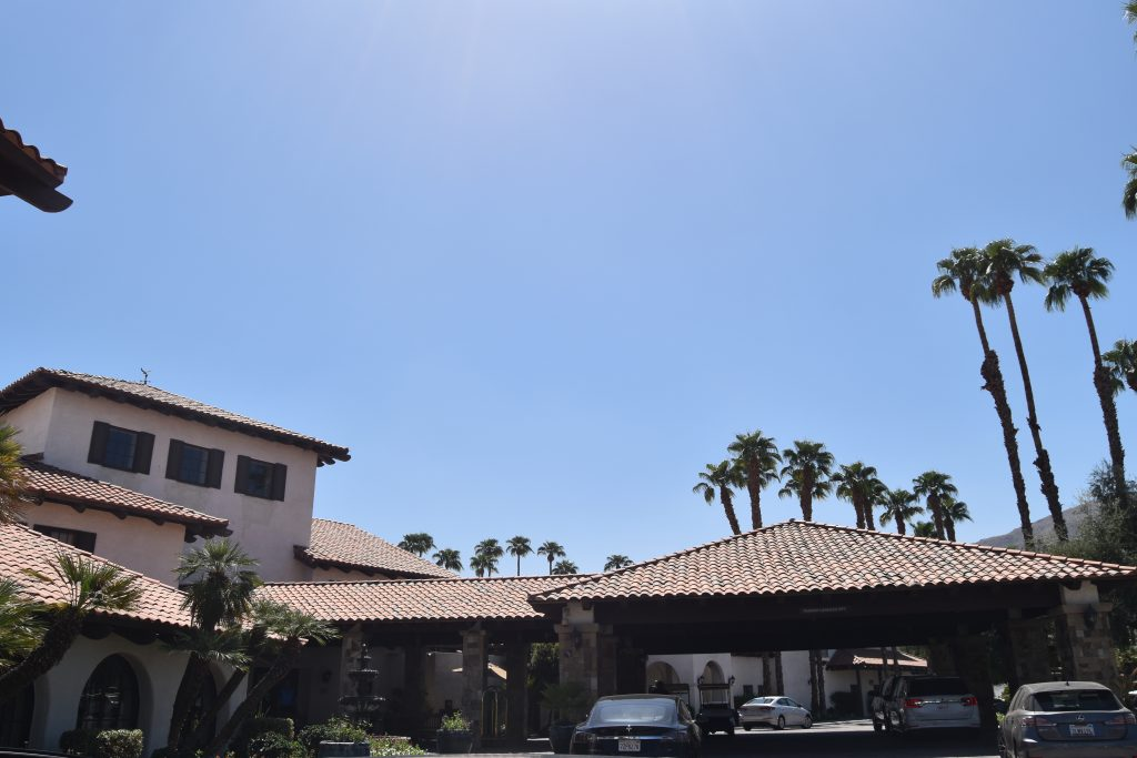 Omni Rancho Las Palmas-Main driveway
