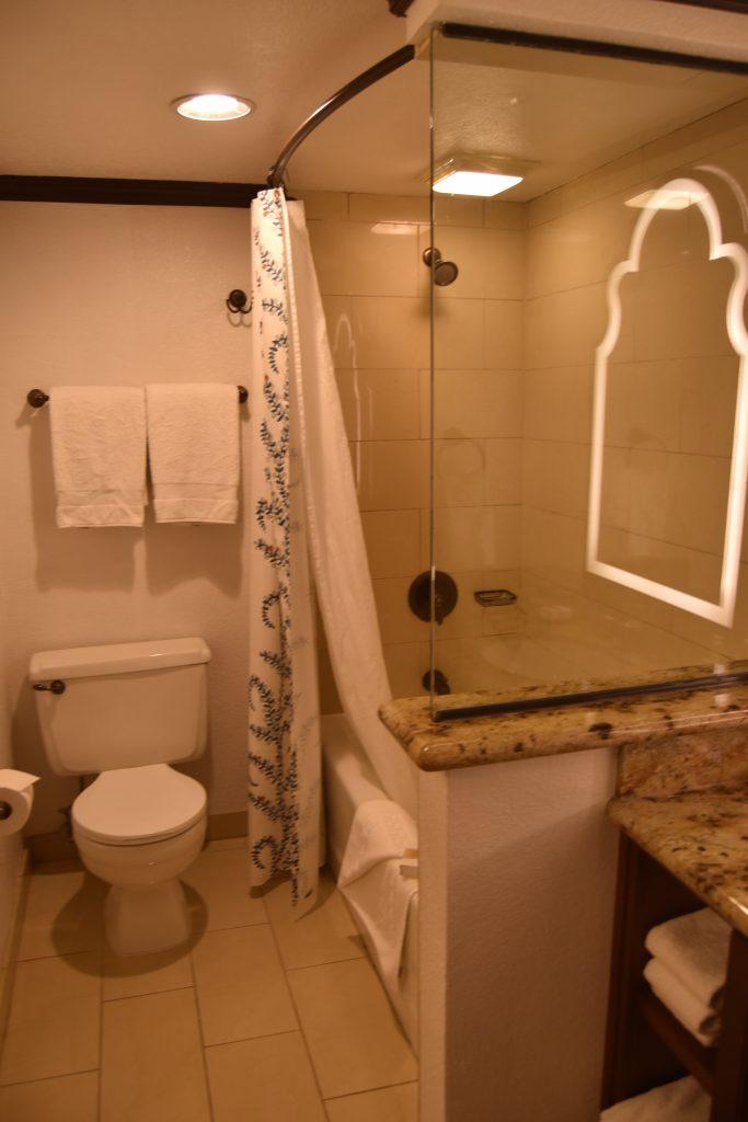 Omni Rancho Las Palmas-Shower and toilet