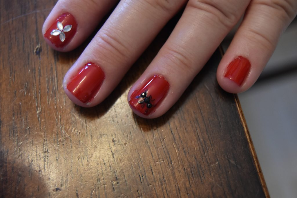 Ant-Man and The Wasp Easy DIY Manicure-Ant nail art design