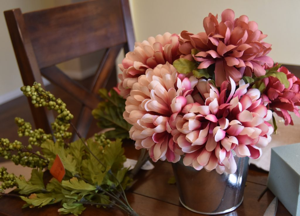 Simple Fall Home Decor-Rest of flowers filled into blank space