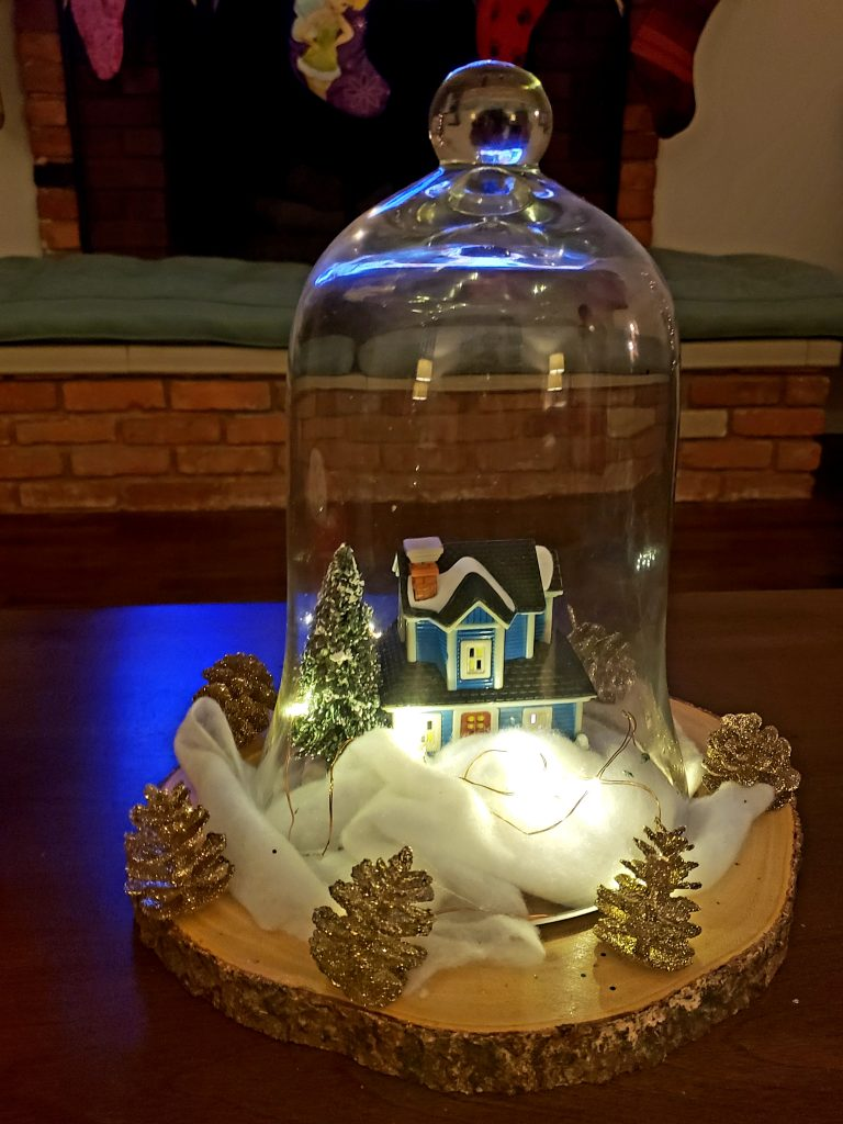 Super Easy DIY Christmas Centerpiece