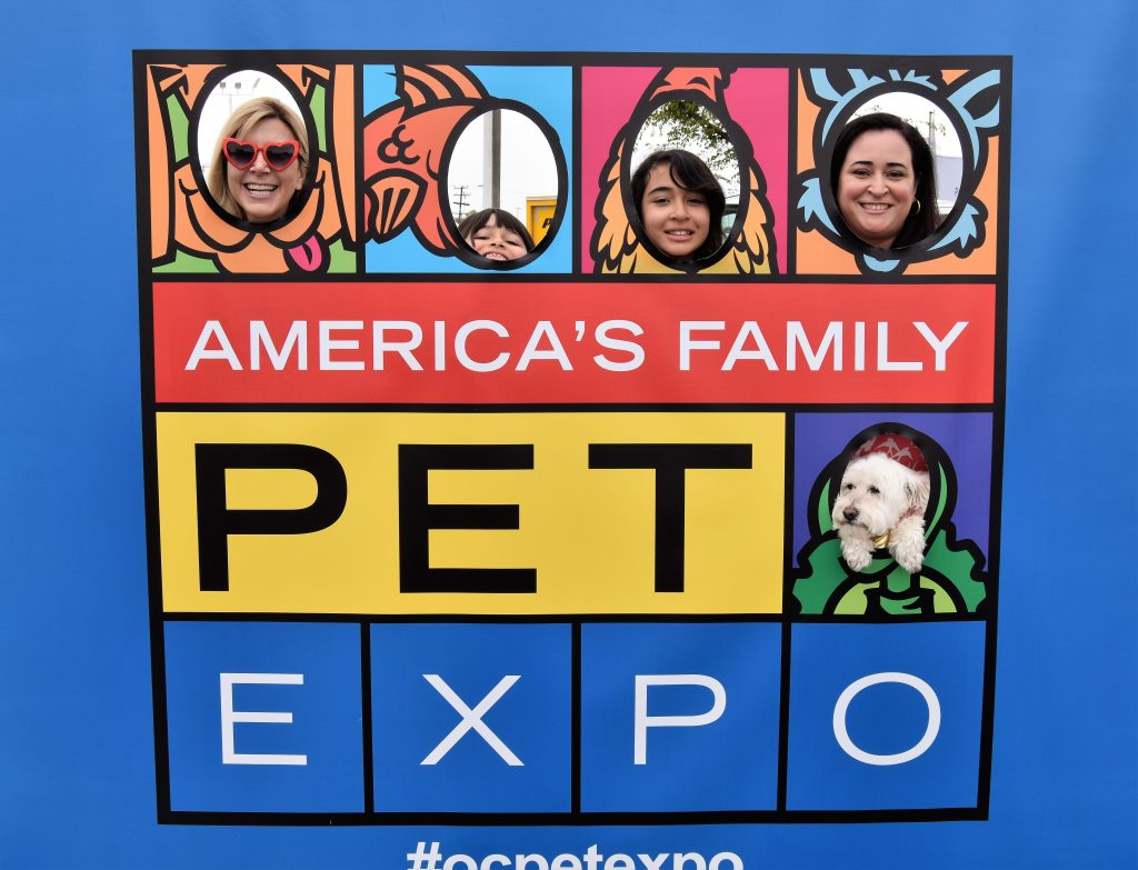 Lara Scott and Asocalwayoflife at America's Family Pet Expo