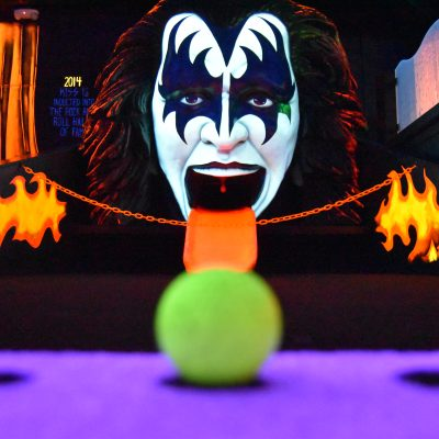 18th hole at KISS Mini Golf in Vegas