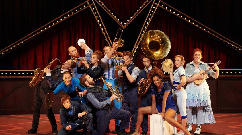"""Cirque Éloize's """"Hotel"""" at The Soraya's Family Fun Series!"""